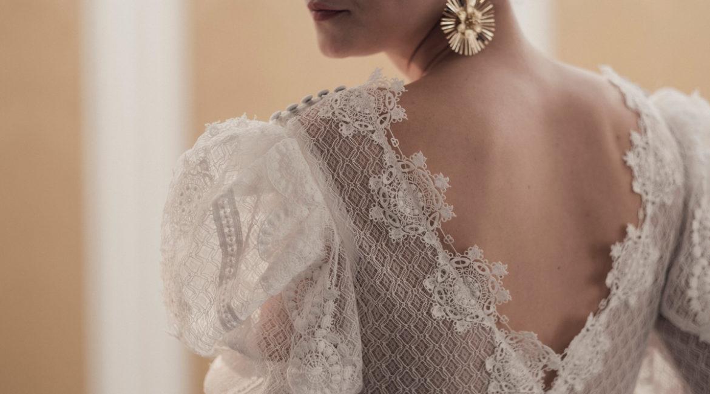 Vestidos de novia 2021 Lorena Merino: Oda a una elegancia atemporal