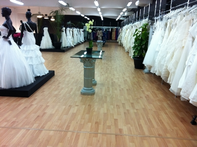 Vestidos de novia Low Cost. Tiendas Factory